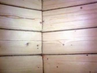 Для чего требуется конопатка деревянного дома? Совет строительного эксперта