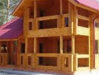 Деревянный сруб как прекрасный вариант чтобы построить дом на загородном участке