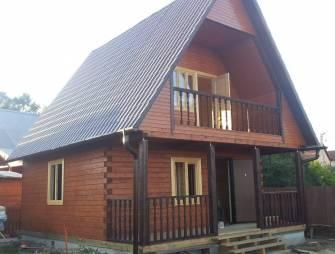Красивая дача из дерева
